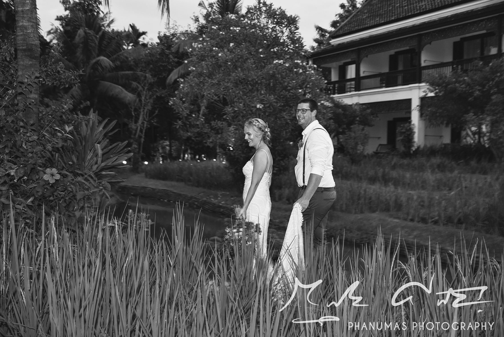 The bride and groom Chiang Mai wedding photoshoot